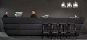 šank Oblique 3,barski stolac Babila,lampa Lightingtime-1